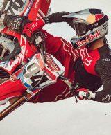 Jusan e Fox abbigliamento accessori moto
